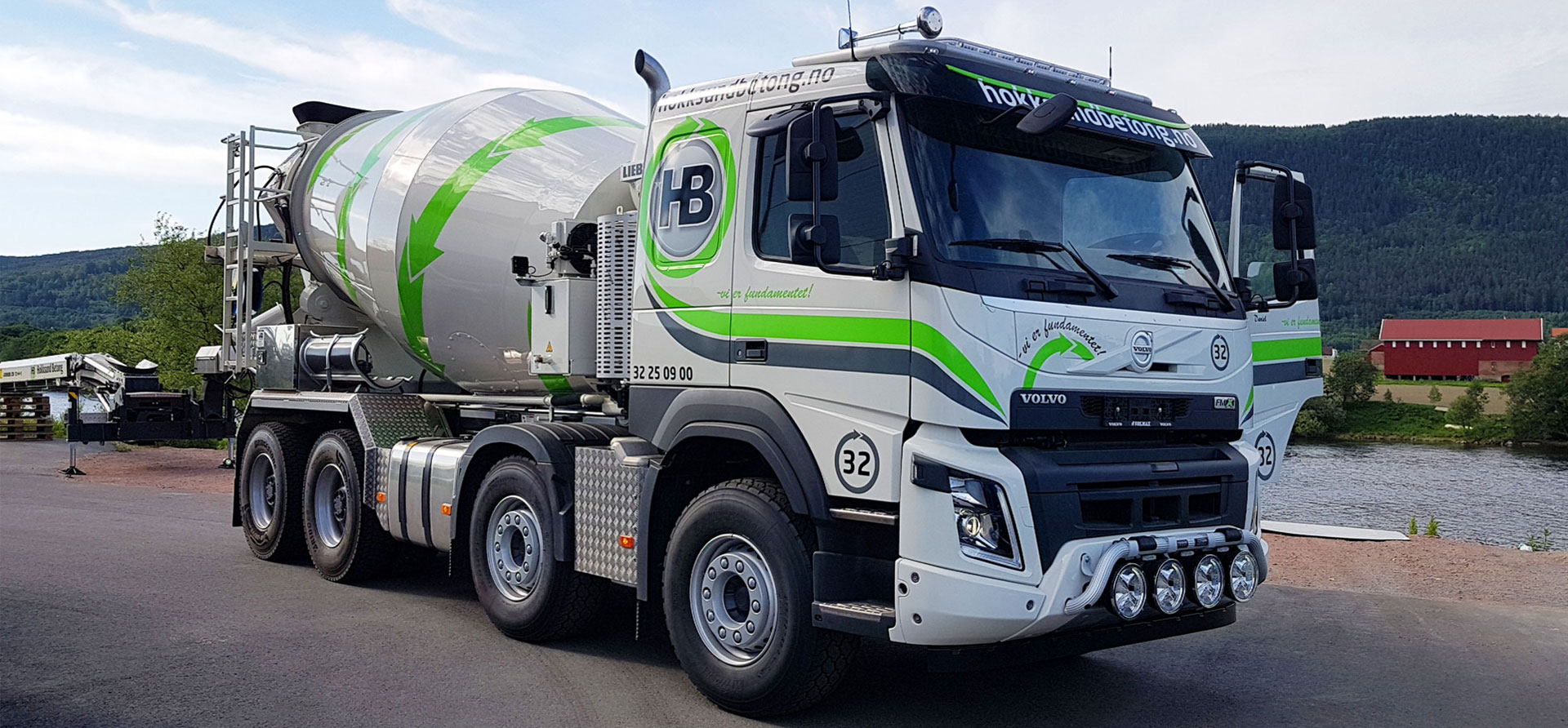 Dekor og foliering av betongbil for Hokksund Betong